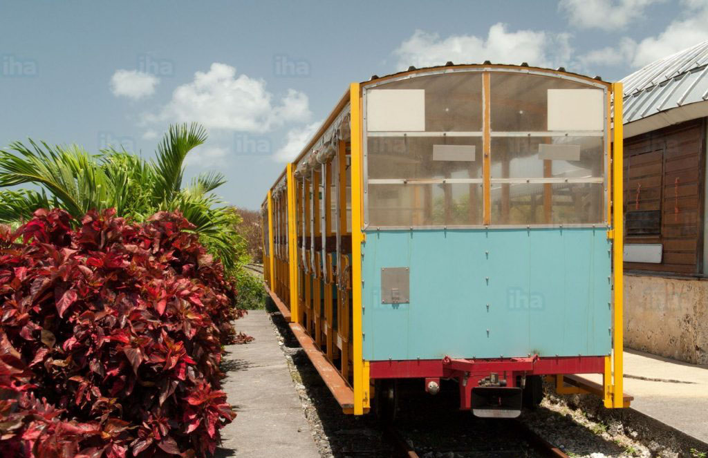 Port-louis-guadeloupe-Petit-train-de-beauport